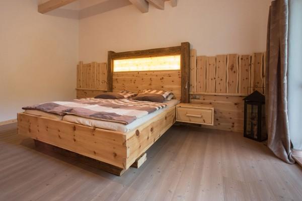 Schlafzimmer Zirbenholz 1911